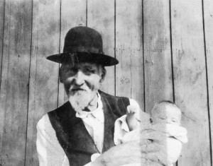 1925-09 Morton Anderson and his great-granddaughter, Merna Hansen age 5 months