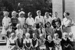 1933-09-25 First and Second grades Richmond Beach School
