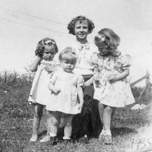 1938 Annette Johansen with Tony Johnson's daughters Edwina, Elaine and Susan