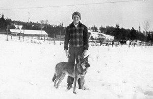1943-01 Norman And Peggy in pasture looking east