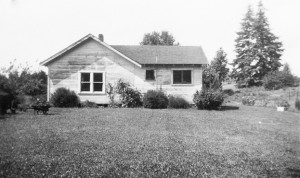 1947-05 Southwest side of little house