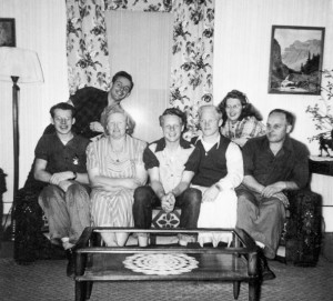 1949-05-01 Donald, Roald, Leone, Robert, Norman, Merna, and Rollin Hansen in the Big house