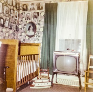 1965-10 Library, sewing room,, downstairs bedroom from living room facing east