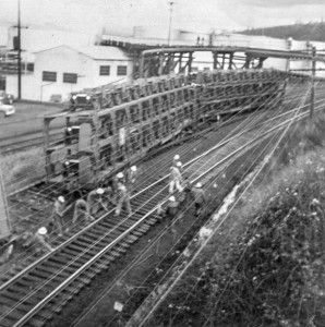 1967-01-20 Freight train crew repairing tracks at Point Wells